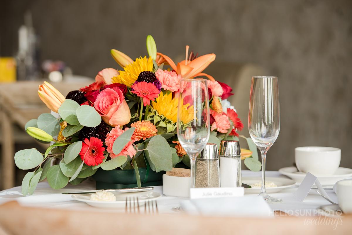 Floral Arrangement. Helio Sun Photo