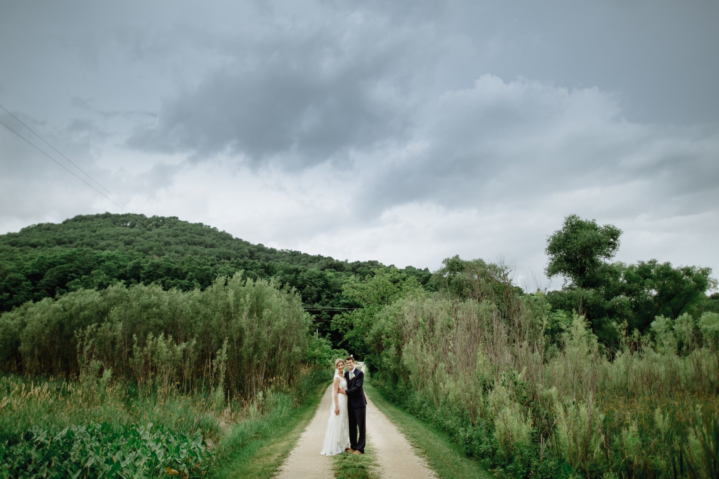 bride-groom-outdoor-wedding