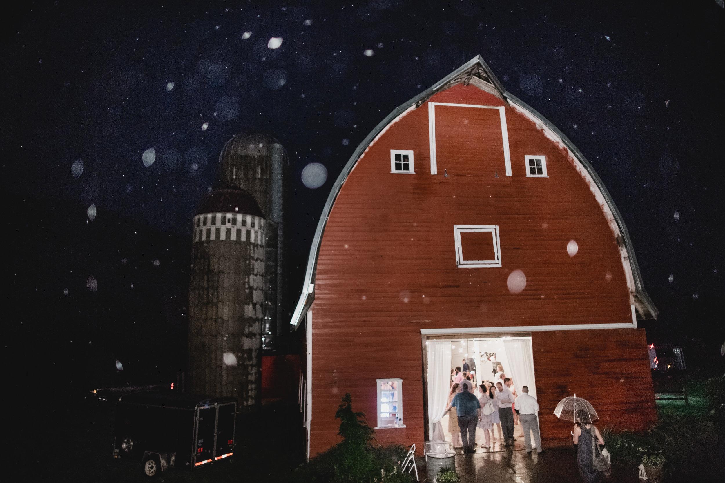 midwest-barn-wedding