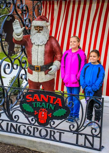 Bronze Santa - Photo by Dale R. Carlson