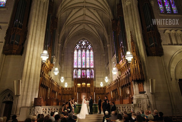jennifer_ben_w_157_duke-chapel_raleigh-wedding-photography