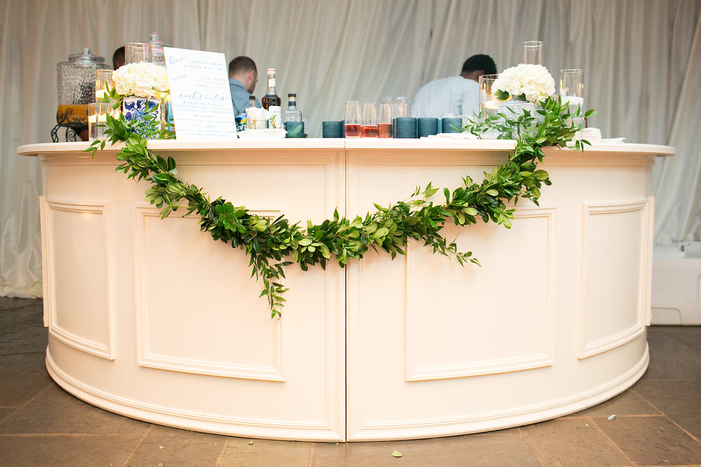White Circle wedding Bar
