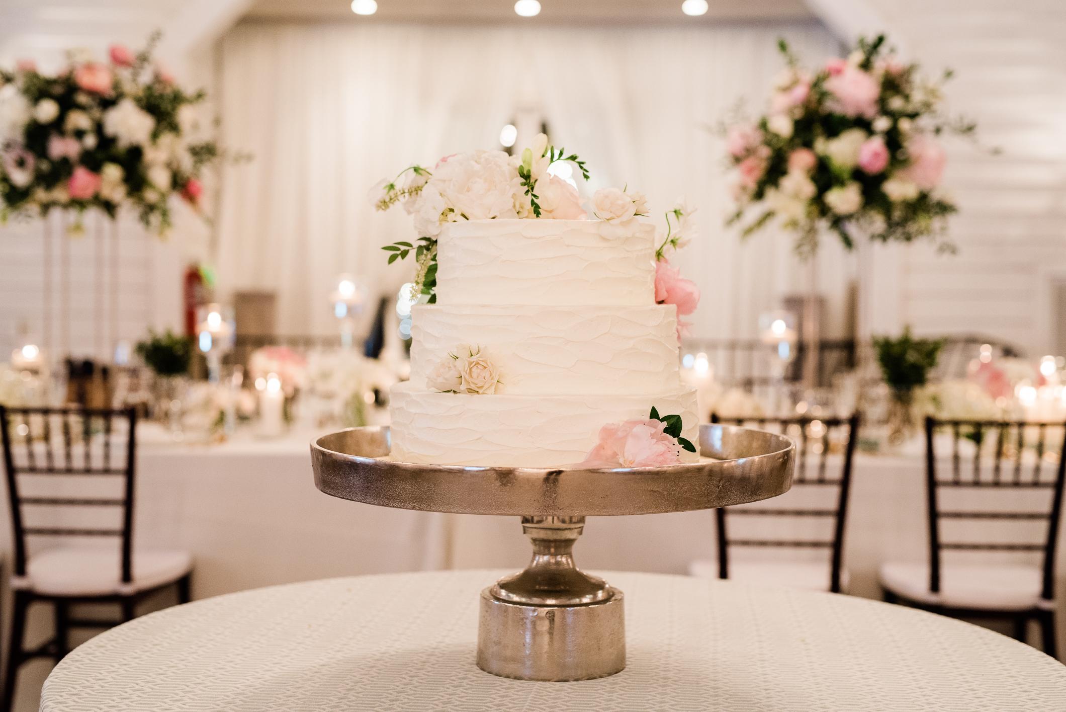 White Wedding Cake.jpg