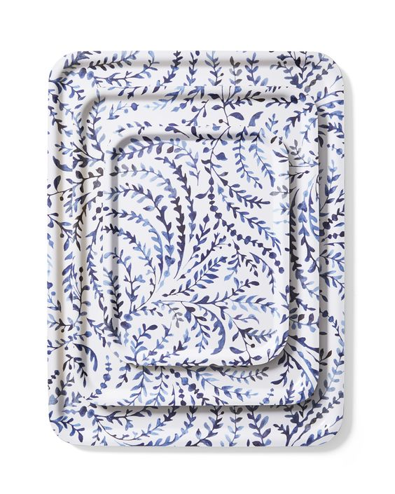 Serena+Lily Trays - When it comes to home goods Serena and Lily always has the freshest looks for your casa. We love these serving trays for their pop of blue and multiple size options. This would be a lovely pick for your favorite hostess or gal-pal. Wouldn't they be pretty to serve crisp champagne and pomegranate cocktails on Christmas?!