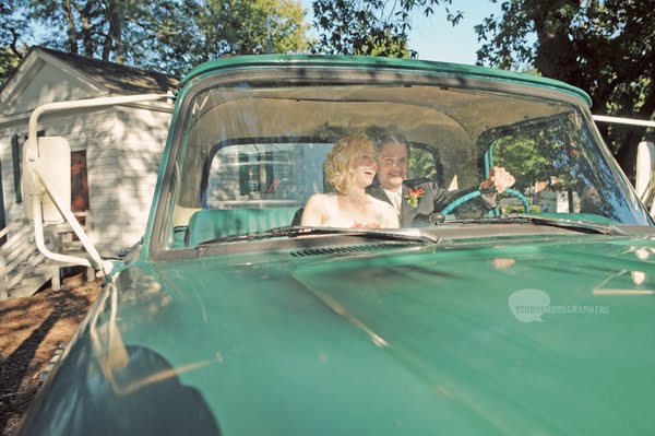 Vintage car getaway from Mordecai House wedding