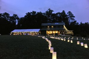 barn-wedding-walkway-lighting.jpg