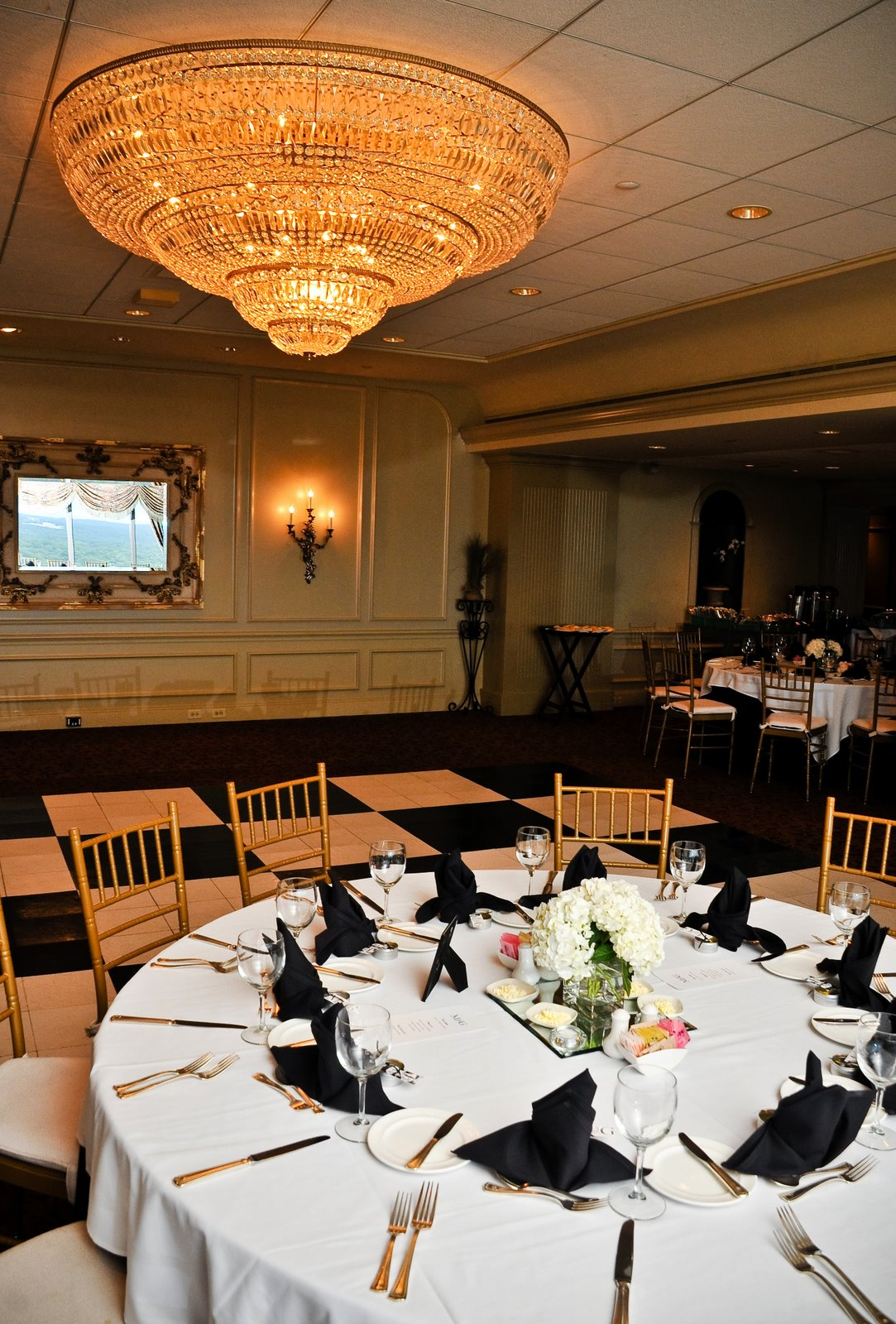 black-and-white-reception-tables.jpg