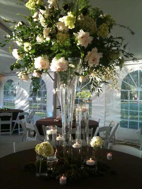 crenshaw-hall-wedding-table-arrangements.jpeg