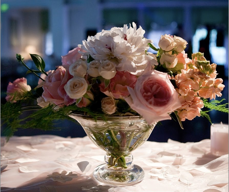 Greensboro-CC-Wedding-tableflowers.jpg
