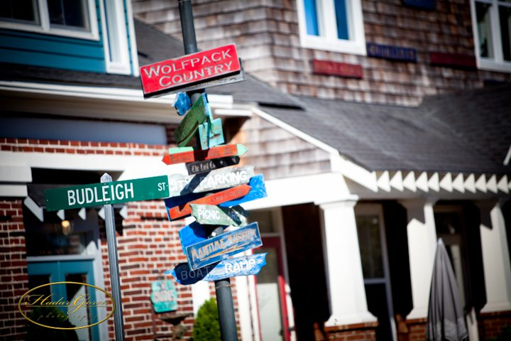 signs2band2bhouses1.jpg