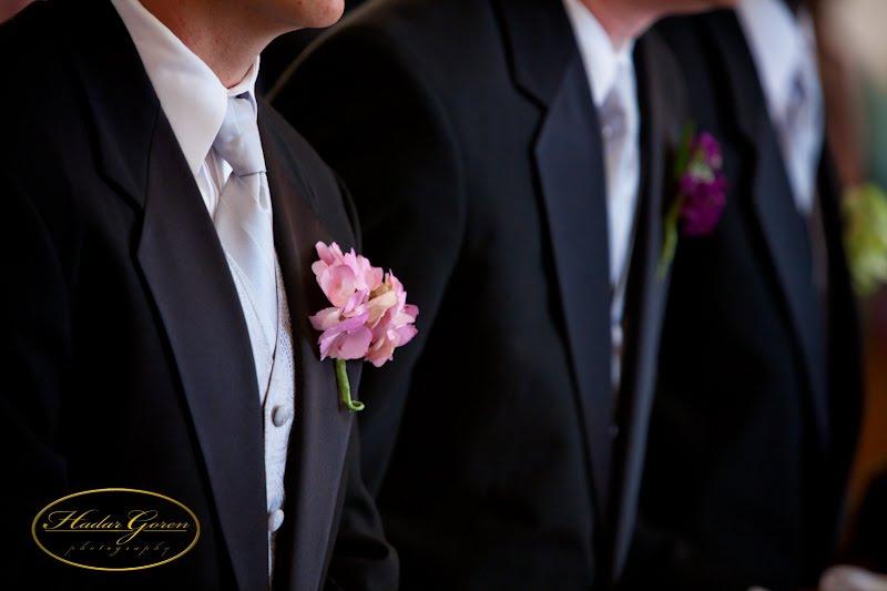 groomsmen2bboutonnieres1.jpg