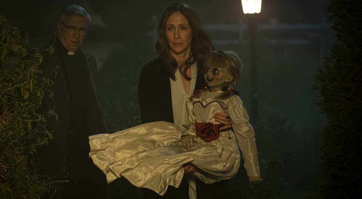Massì, Lorreine, portiamo questa bambola demoniaca a casa. Che sarà mai!