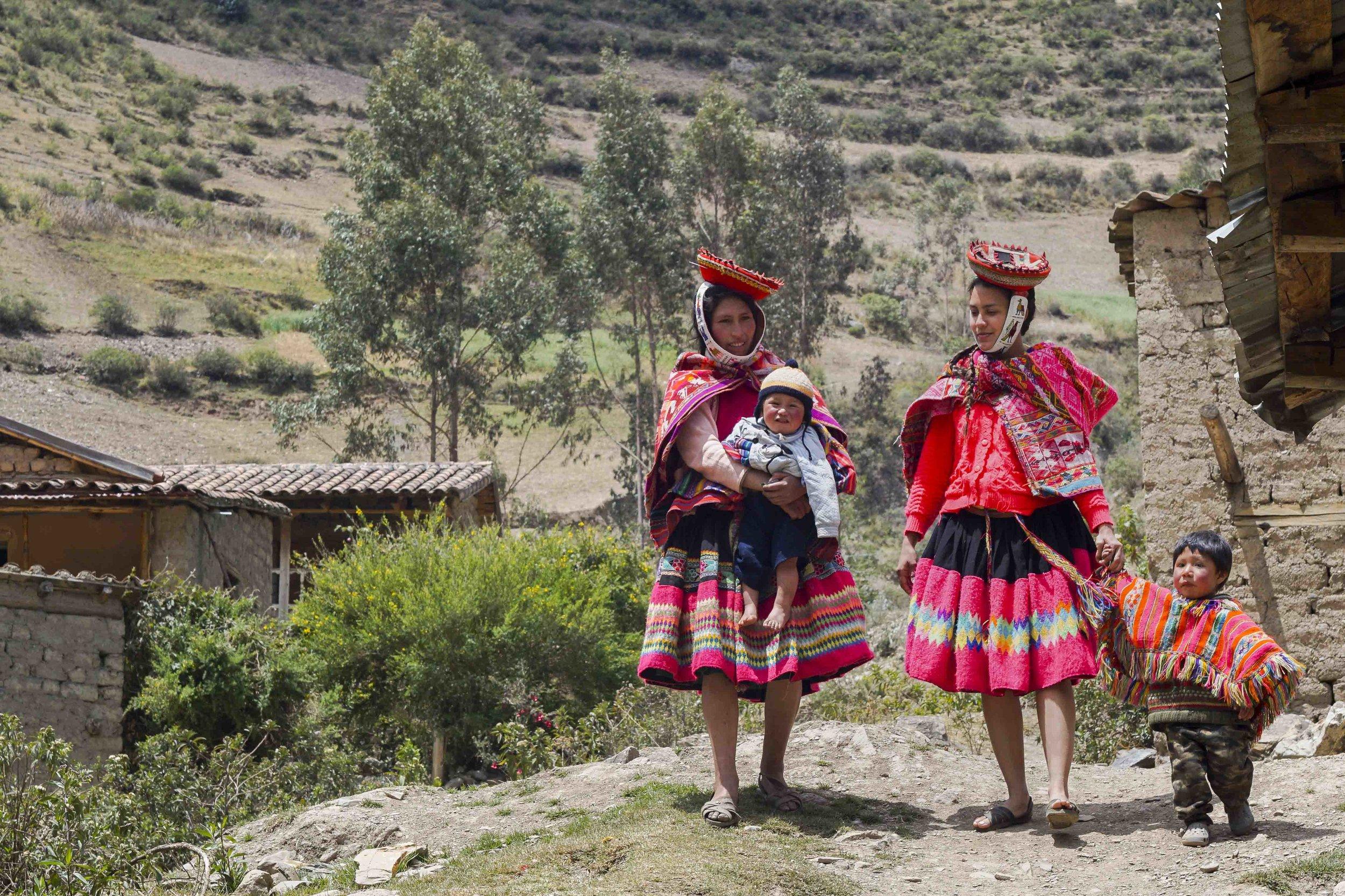 Peruvian Mother in Huilloc |  Madre Peruana en Huilloc  (2018)