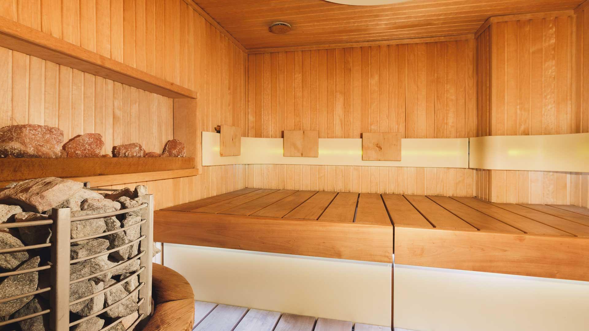 interior-of-wooden-sauna-PJTT24G.jpg