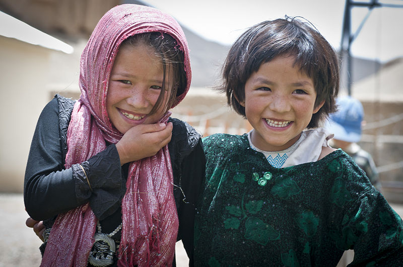800px-People_of_Bamyan-3.jpg