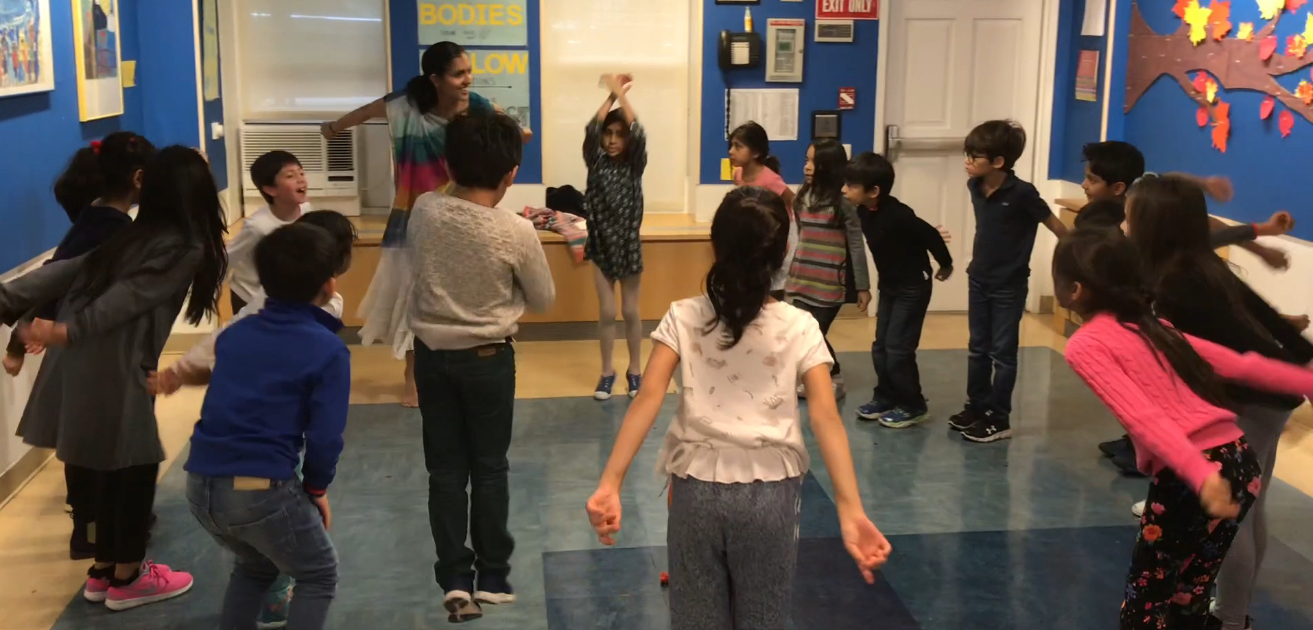 Dance In The Round at the Dalton Lower School (ages 6–9). Photo by Shobana Ram.