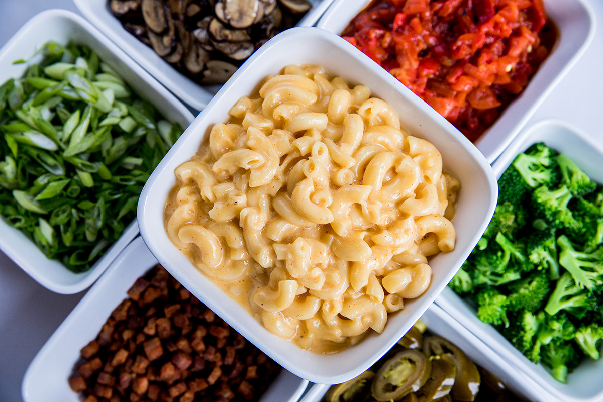macaroni & cheese with mix-ins