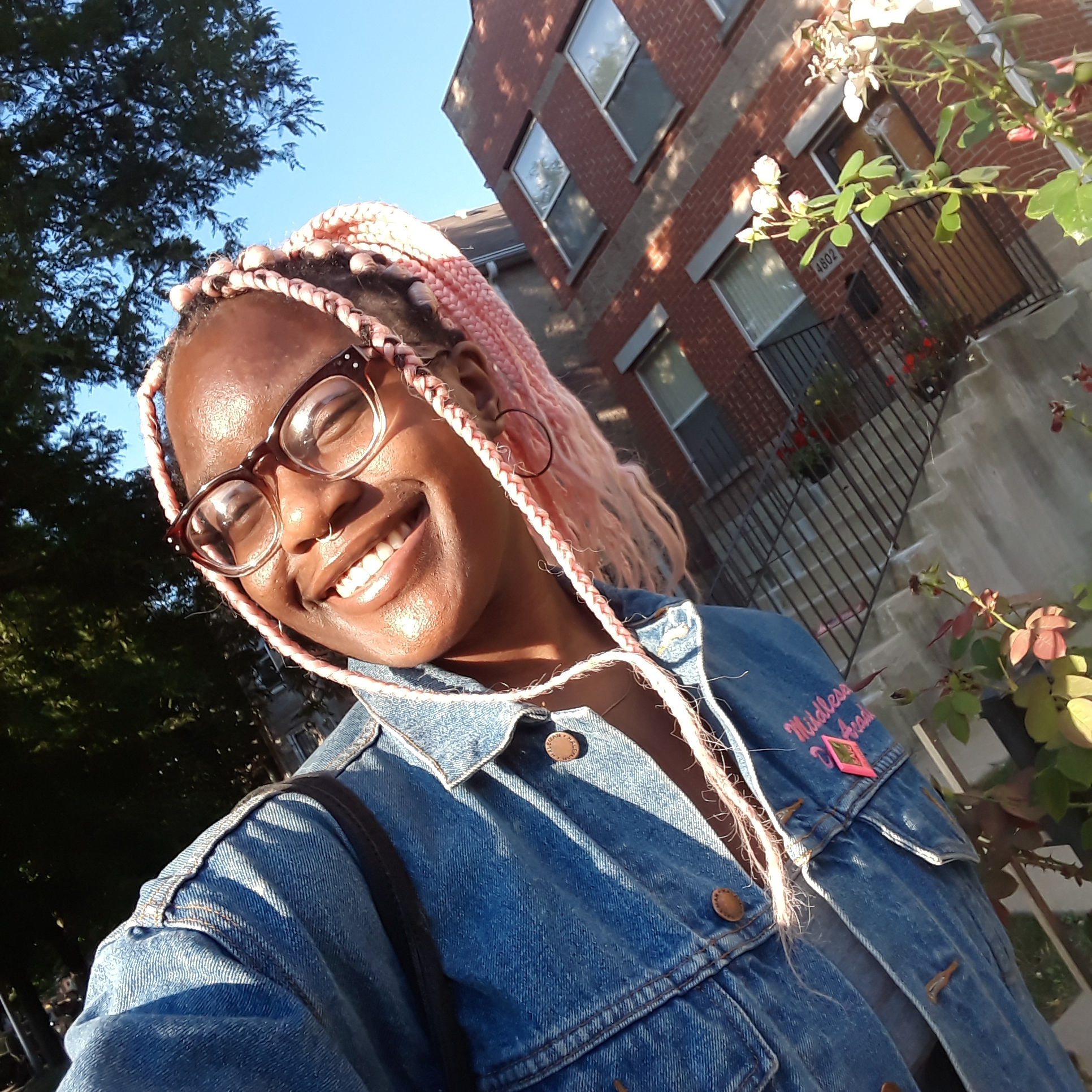 Graphic Designer  Natashna Anderson  Natashna is a current undergrad at SAIC, studying Illustration, Graphic Design as well as Fine Arts. She likes her coffee iced, her personality strong and her confidence very, very high.