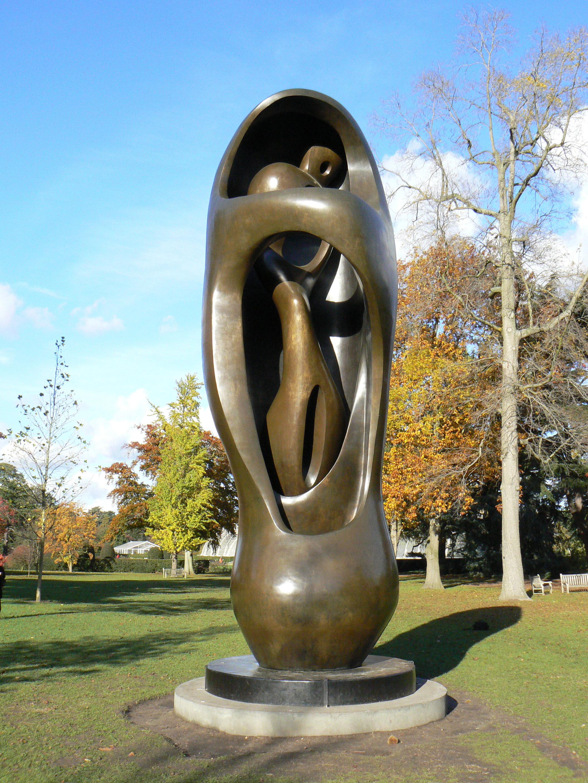 Henry Moore,Large External Internal Form, on display in Kew Gardens