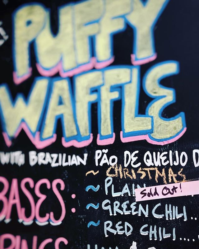 Well, this doesn't happen that often anymore... sold out of plain cheesy puffy waffle! More tomorrow 👍🏻🇧🇷😎