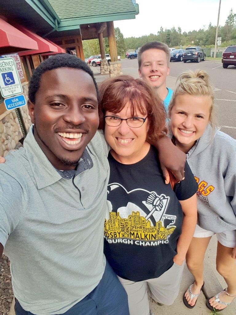 Lisa Erwin with Student Association Members. Photo courtesy of Mike Kenyanya