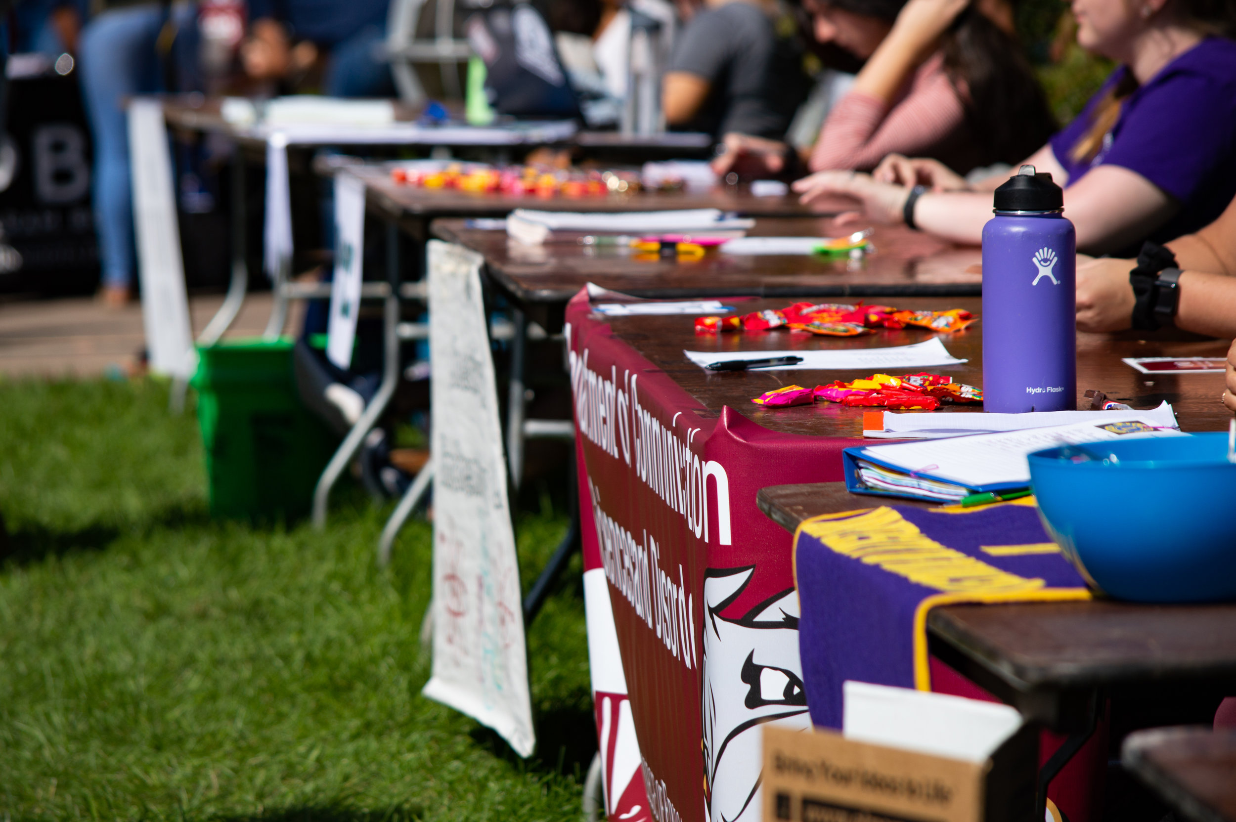 Students gathered on the Kirby Terrace last Thursday, Sept. 6 for the annual Activities Fair. Photo by Jake Barnard