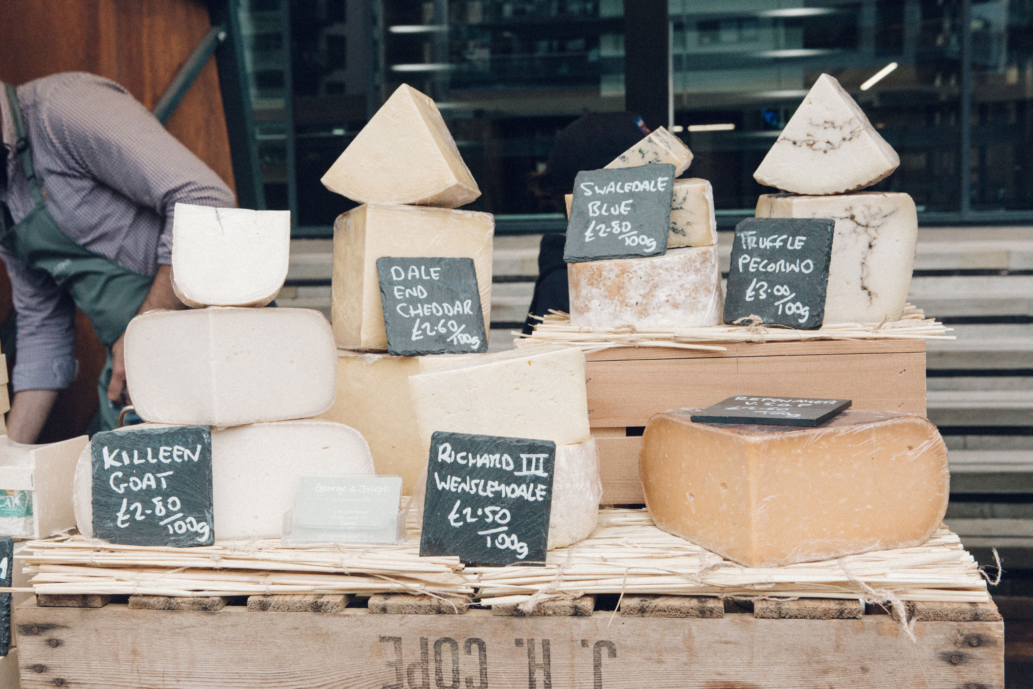 The Homegrown Market:  Championing local Yorkshire producers and suppliers and providing quality, sustainable and ethical produce to the working and residential community of Leeds Dock. Find out more...