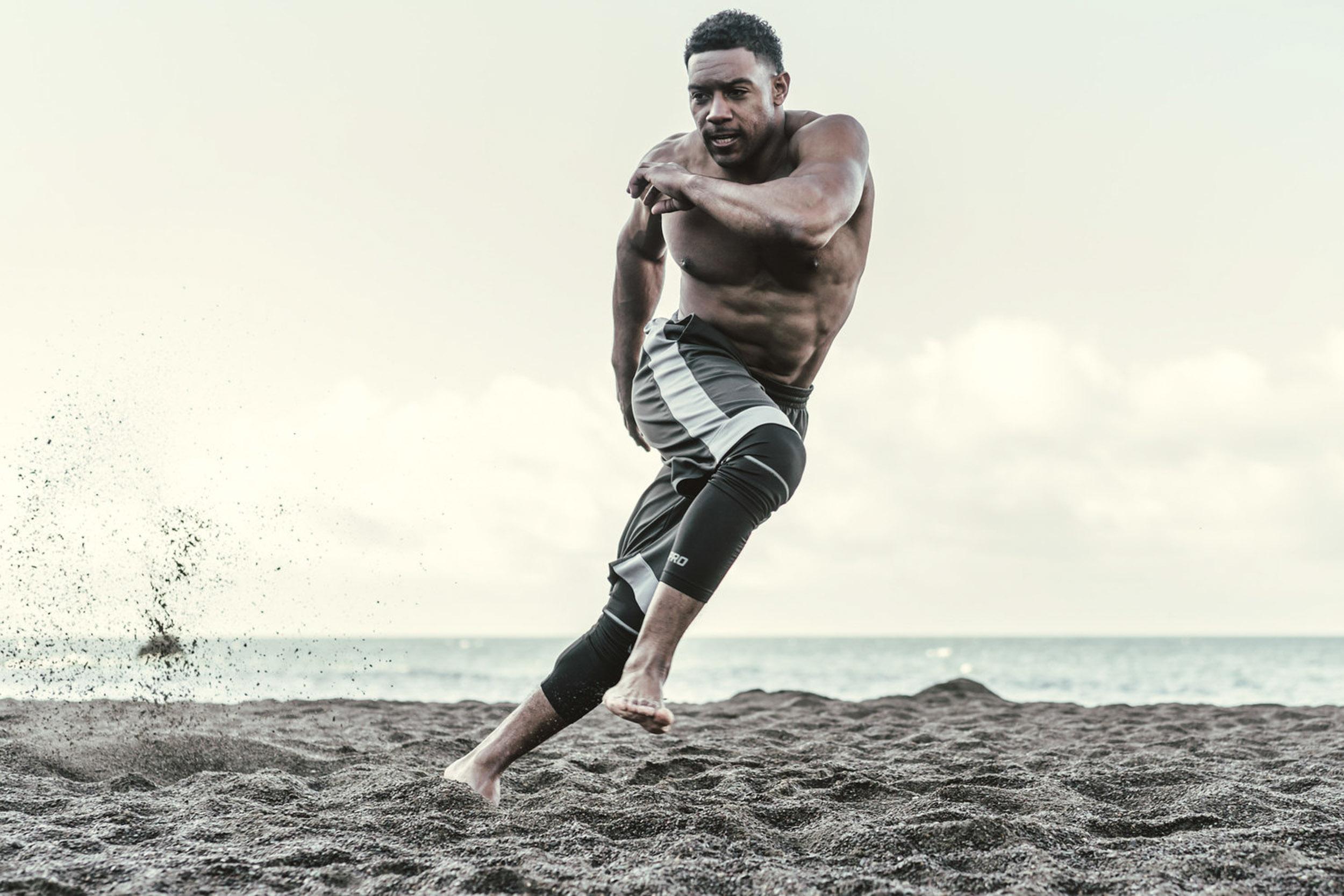 Bax-Towner-PF-Fitness-Beach-Workout-BAX8937-2.jpg