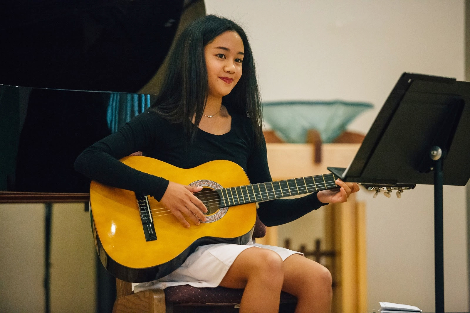 MAKE MUSIC    Learn from exceptional teachers in a positive environment    CALL 661-253-9262 or 818-502-8975 NOW    Request Info