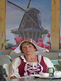 Yolande qui travaille dans le bistro
