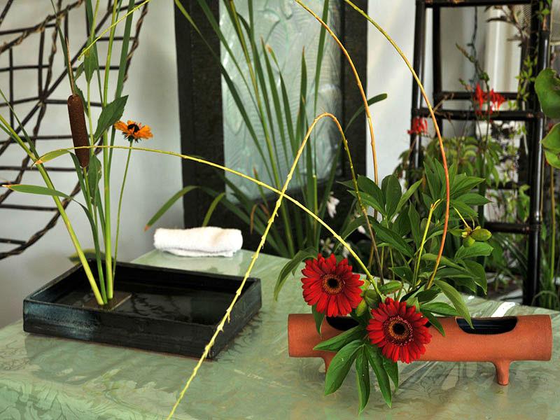 Démonstration d'art floral japonais dans le pavillon