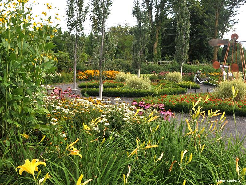 Le jardin contemporain moderne ou jardin des découvertes