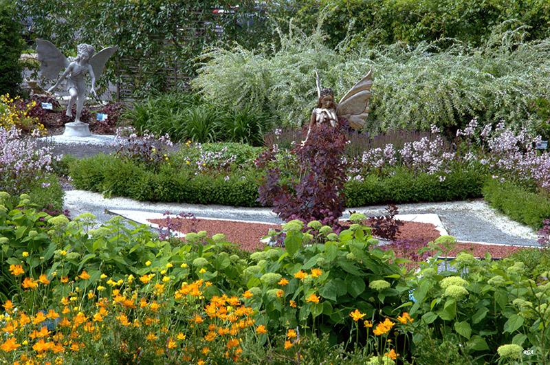 Jardin féérique avec ses elfes