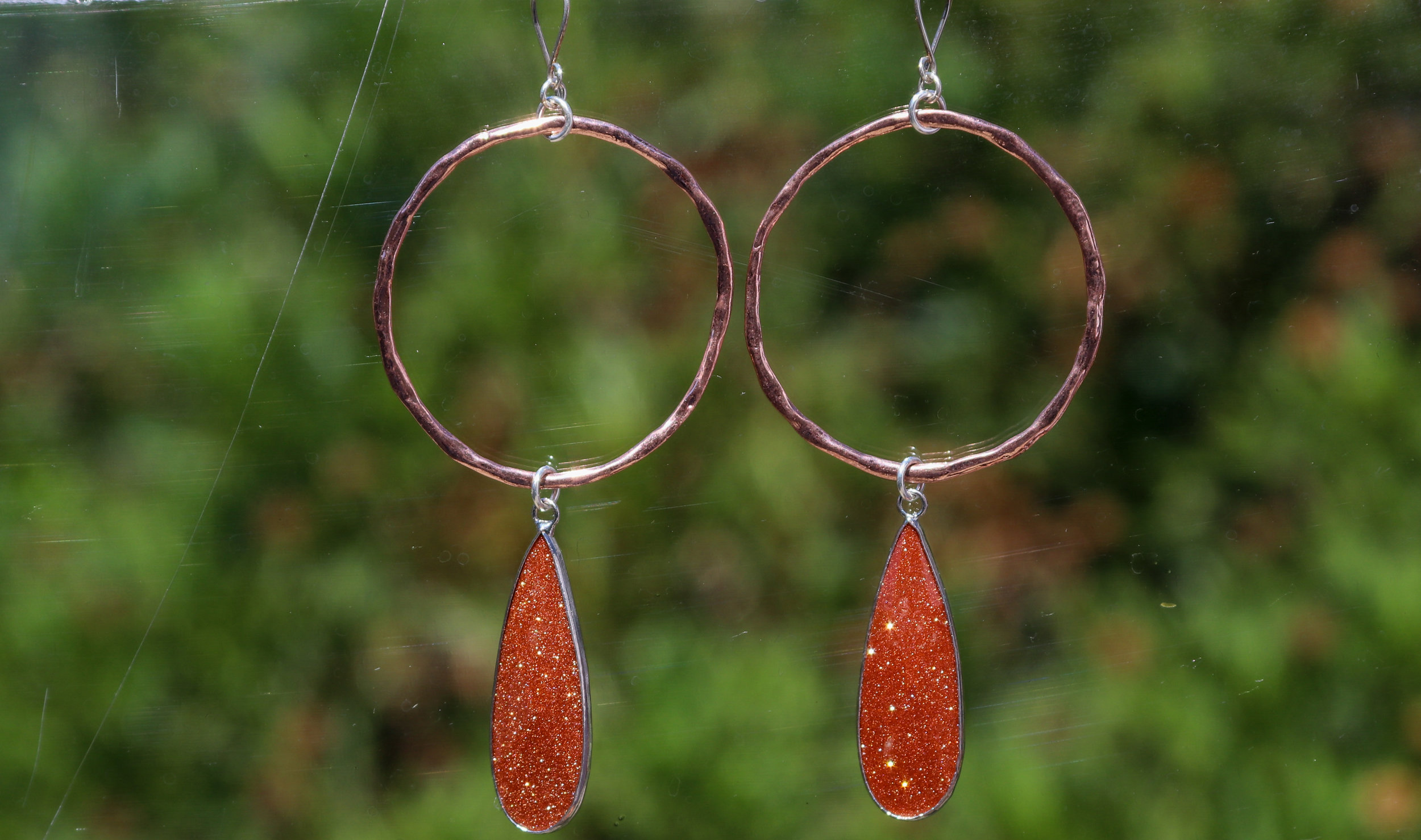 Cinnabar with Copper Hoops