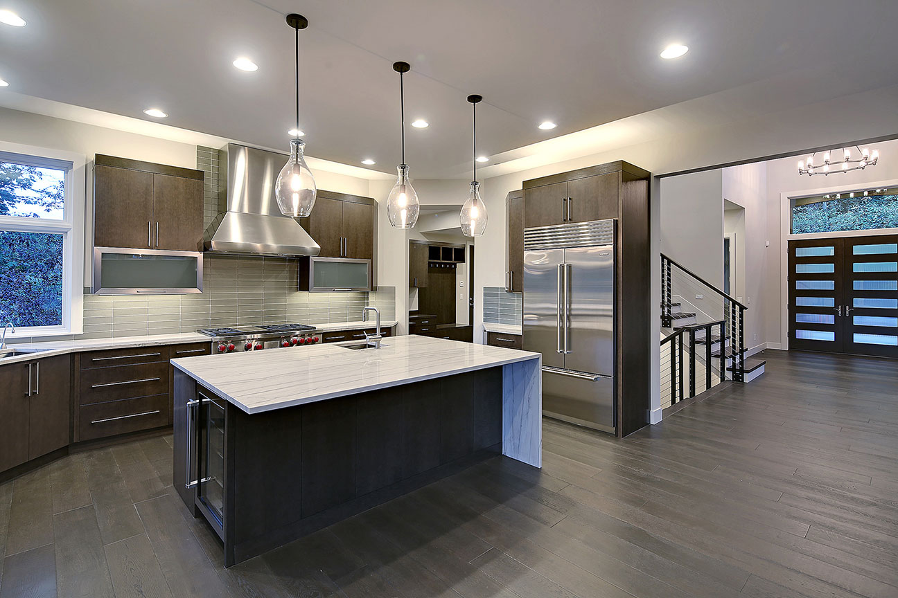 SRE-kitchen-and-entry.jpg