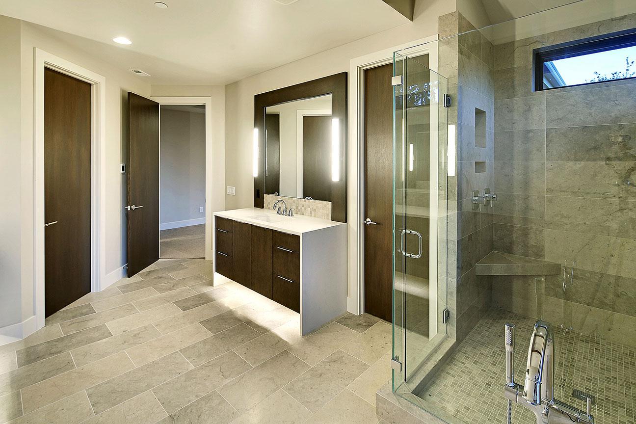 SRE-master-bath2.jpg
