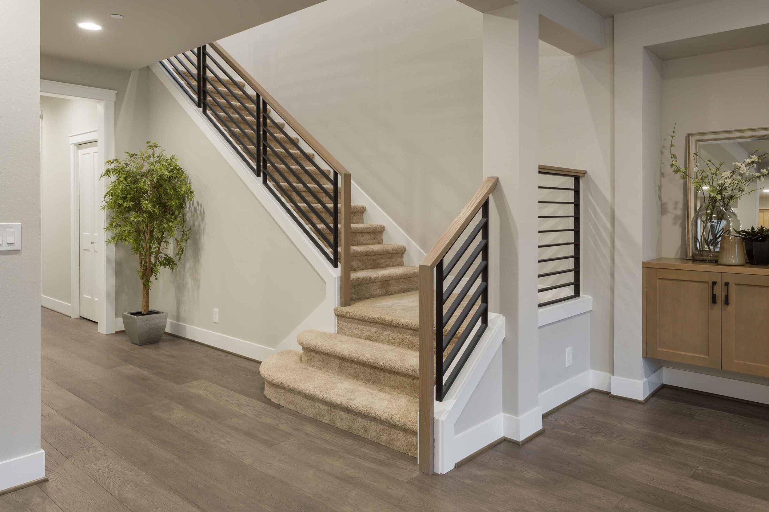 Stair-2dwn.jpg