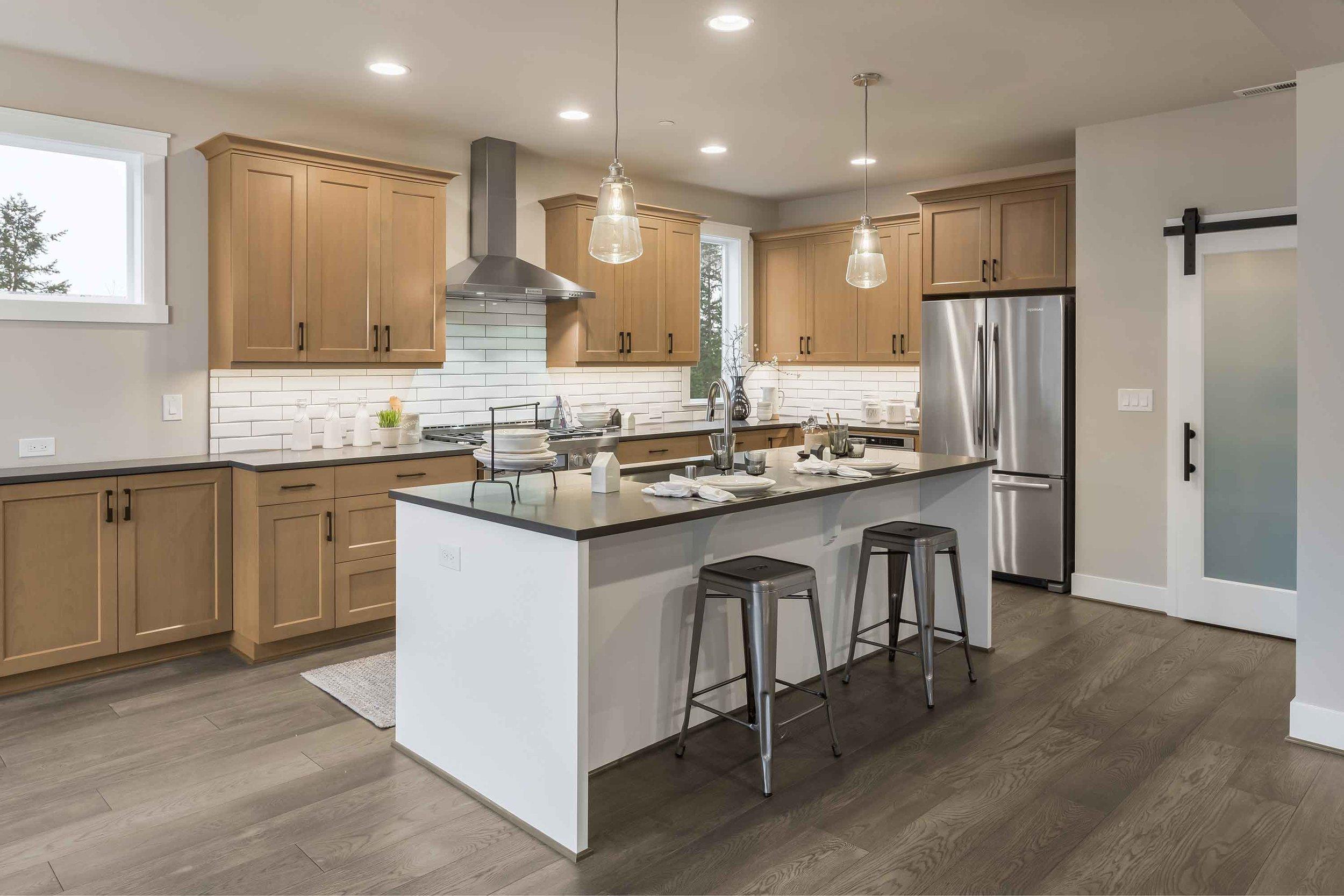 Kitchen-2dwn.jpg