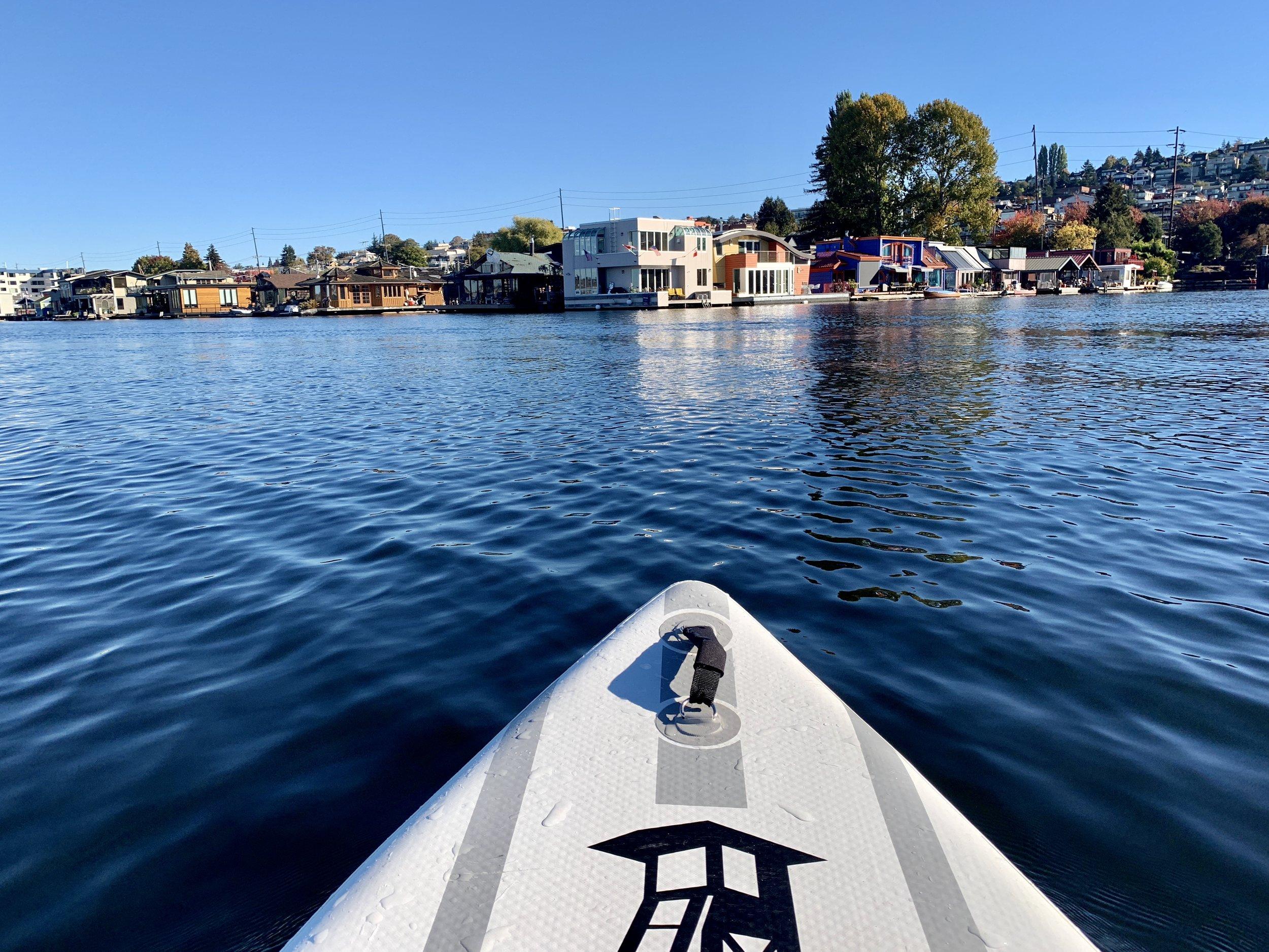 Paddling along the houseboats at Lake Union
