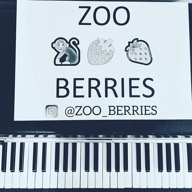 You're coming to Rockwood tonight?  @zoo_berries 10pm, stage 1.