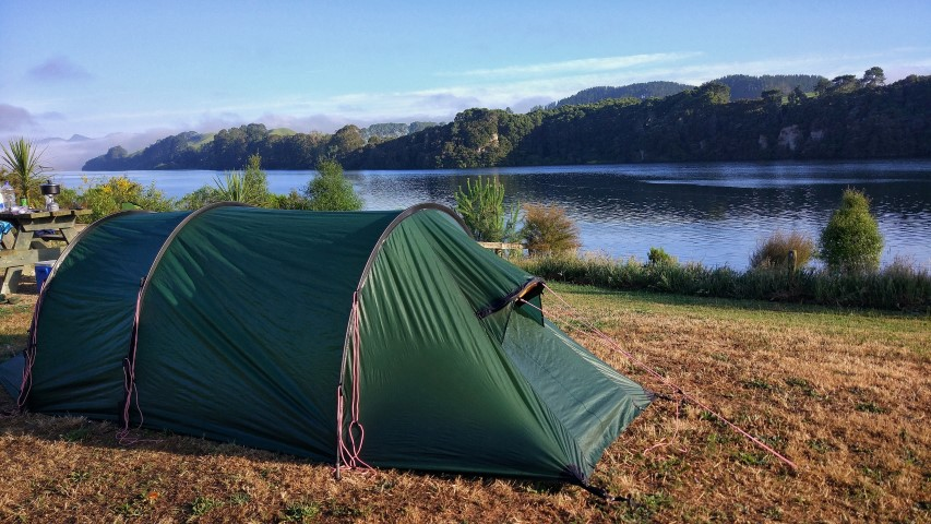 20171211__new_zealand_waikato_lake_arapuni_arohana_doc_campsite_sunrise_tent_view (Small).jpeg