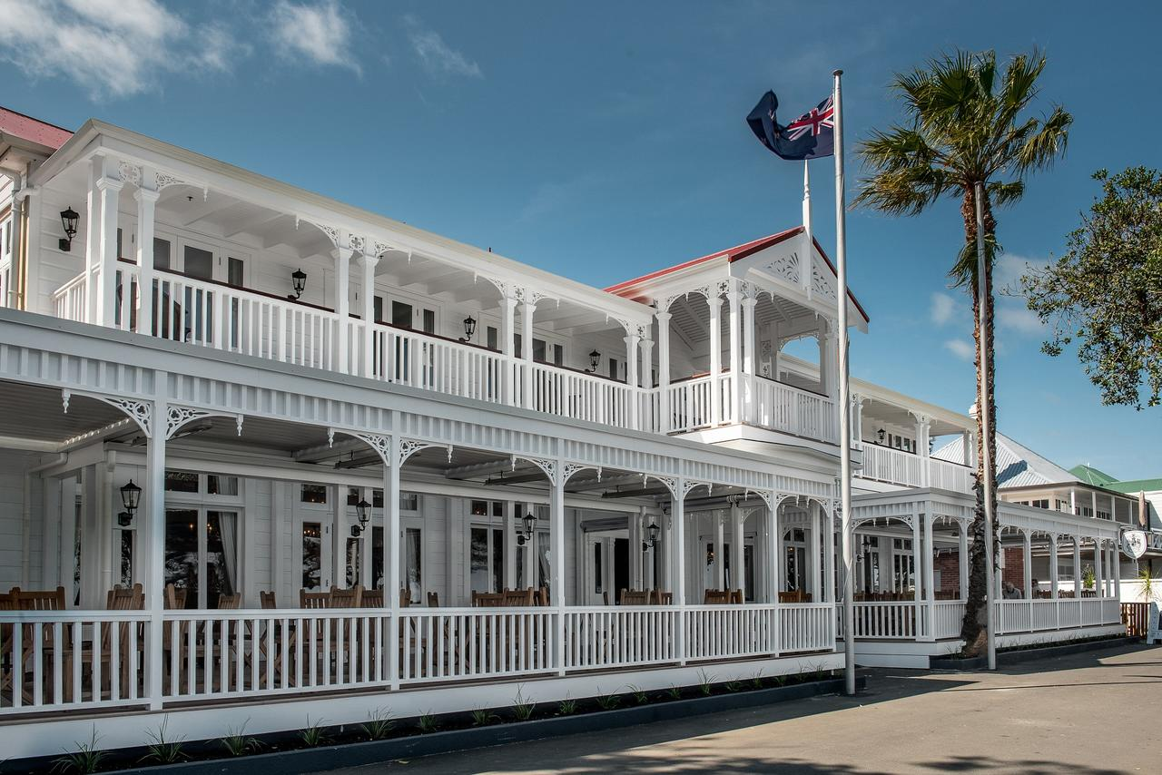 The Duke of Marlborough, Russell - Stunning hotel in colonial style, right on the waterfront. Beautiful rooms with new and original elements. A place to dream!