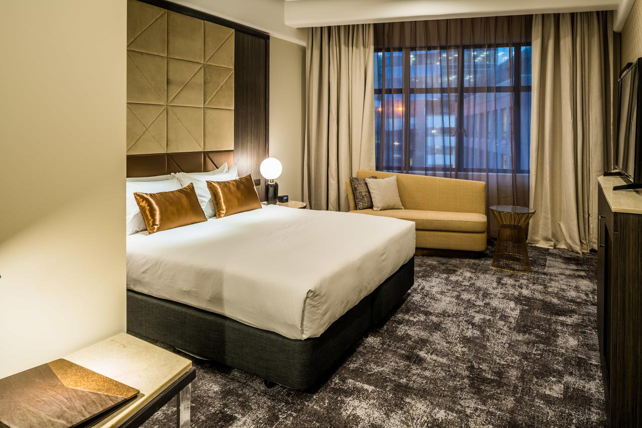 DoubleTree by Hilton - Beautiful new hotel, themed in a modern Art Deco style. Super central, right opposite the Wellington Cable Car. Walking distance to the waterfront and all important attractions.