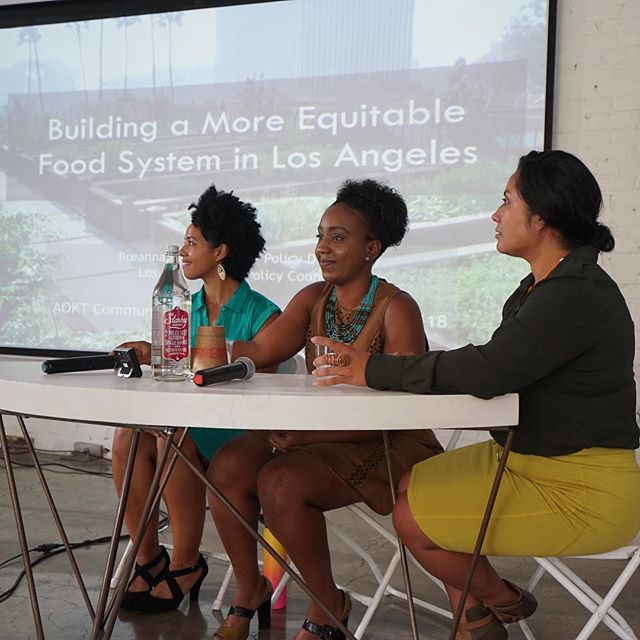 this is what #foodjustice looks like thank you @drebluesbaby for capturing @analenahope @lagoodfood 'a Breanna Hawkins & @lurnetwork 's Azusena Favela at #aoktsymposium last month, sharing their important policy and equitable #foodsystem work in POC communities 🥕🥒🌽💪🏽💪🏿💪🏾