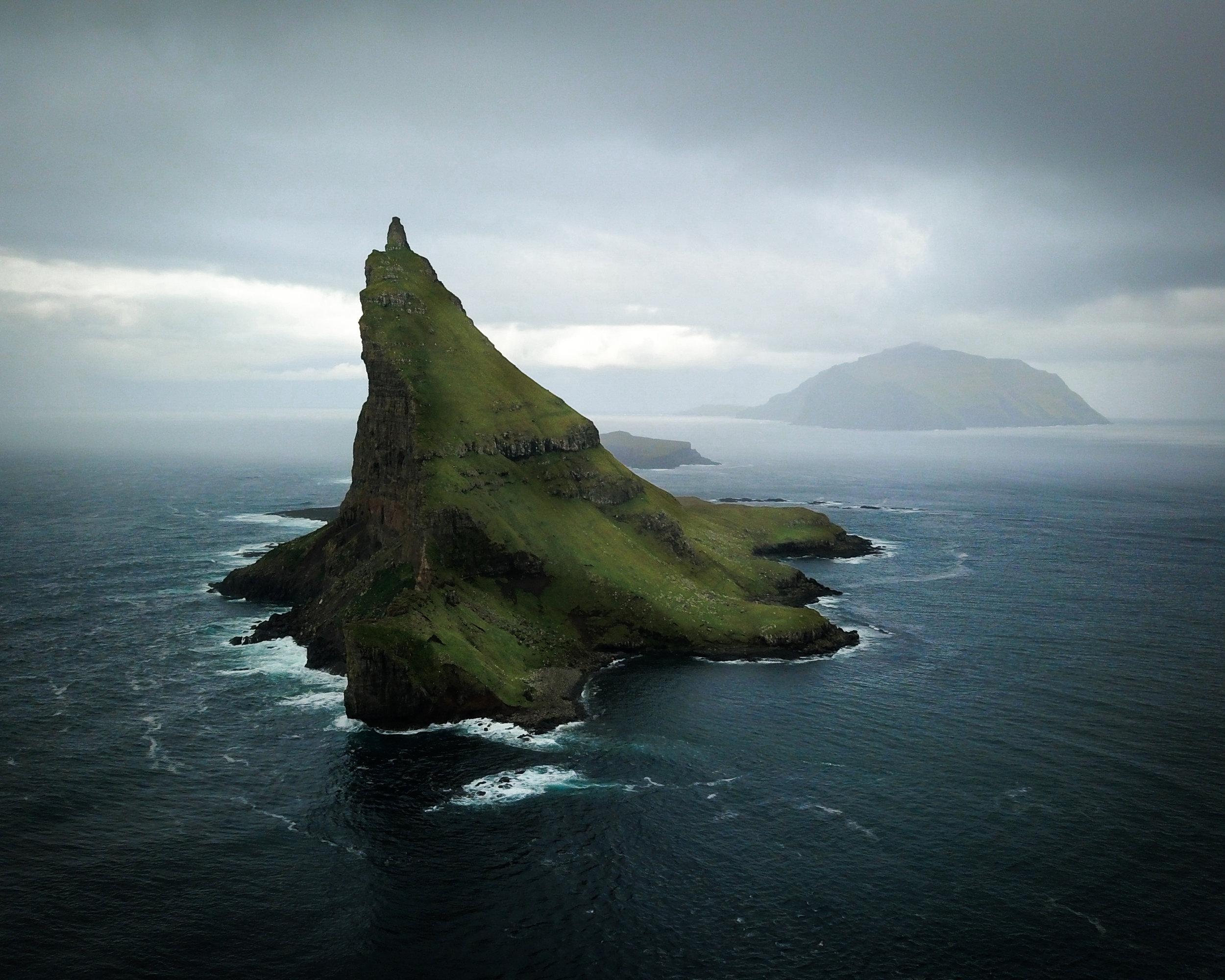Faroe_Drangarnir_groot.jpg