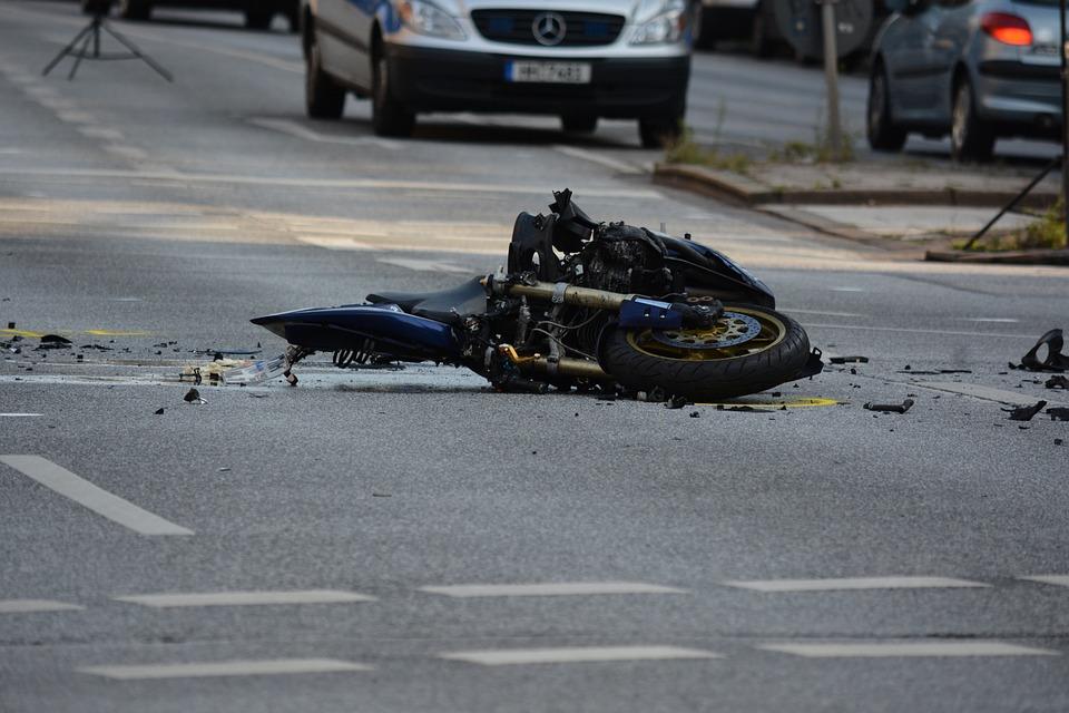 motorcycle-1041070_960_720.jpg