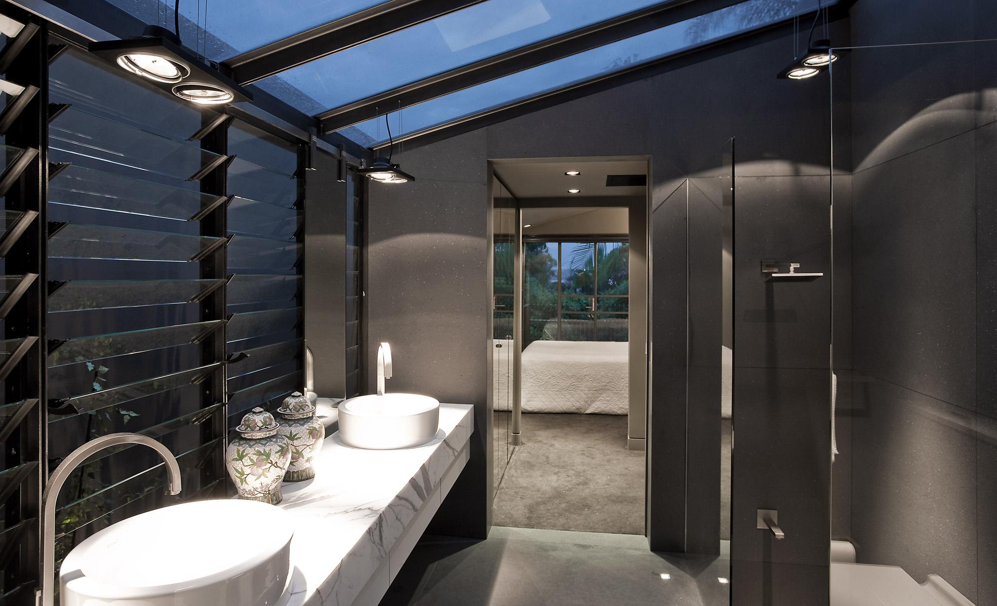 Gurner Street Paddington bathroom low res.jpg