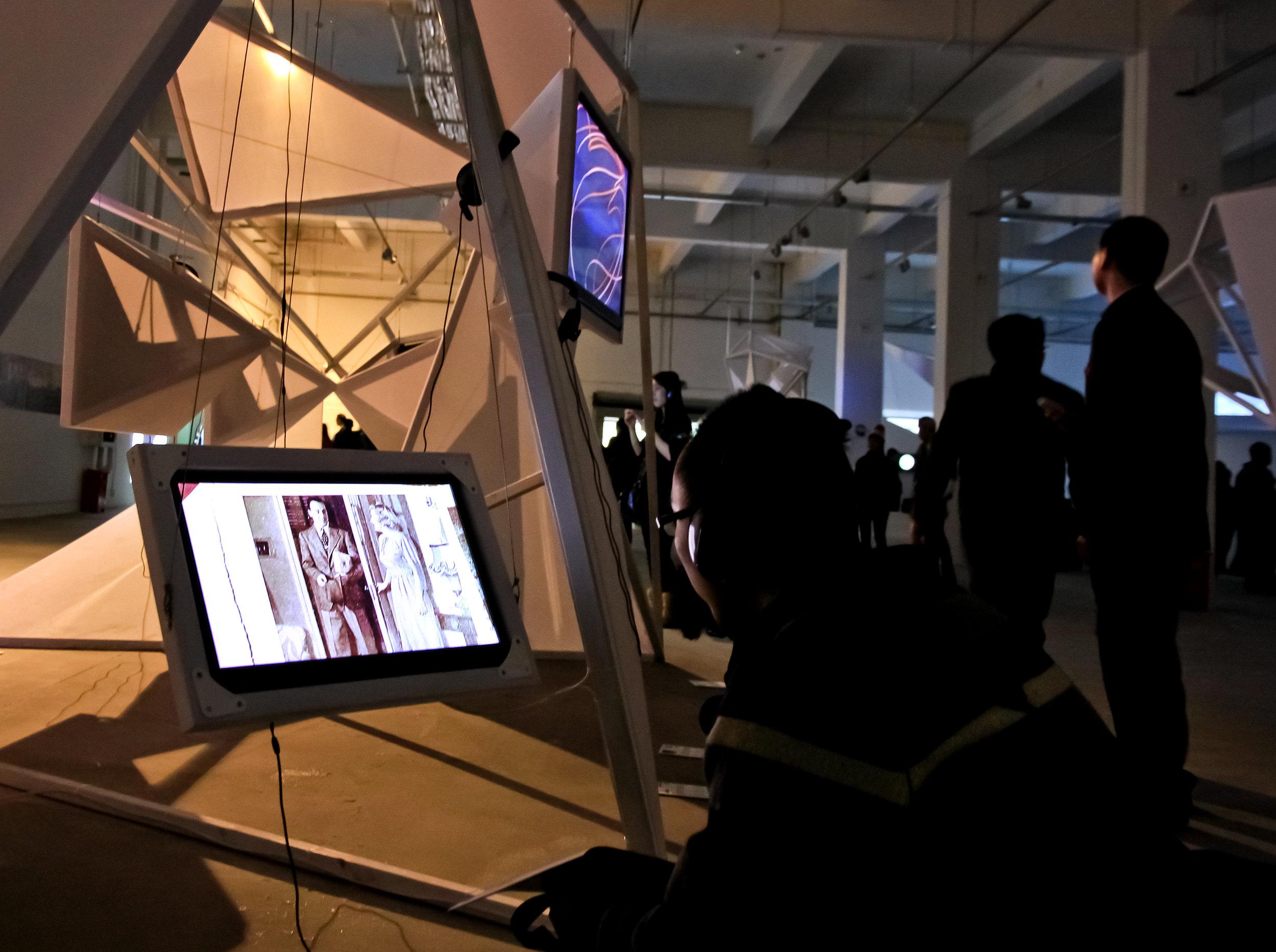 20121222首届深圳独立动画双年展16 欧阳勇 摄影.jpg