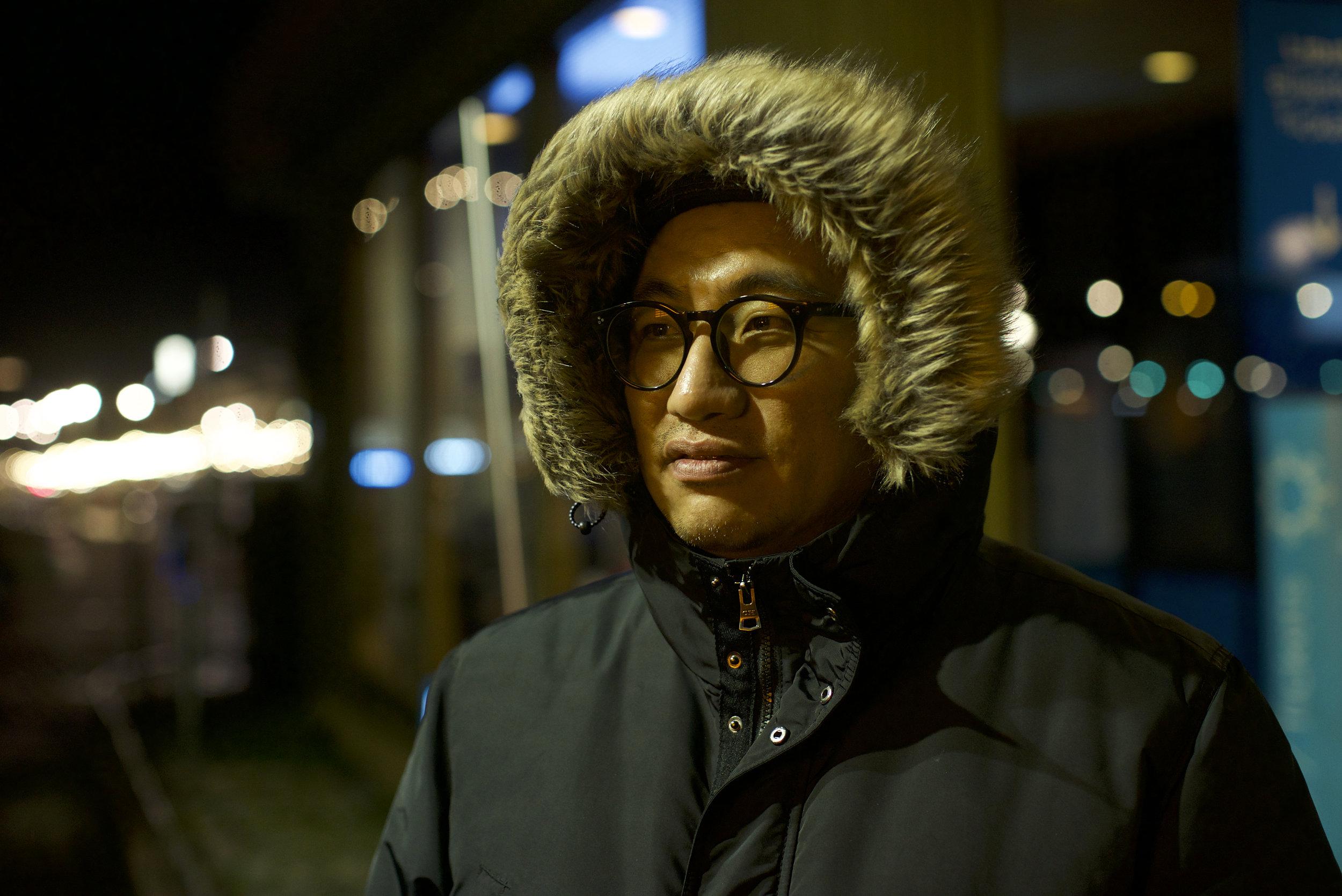 李振华  李振华,一位独立策展人,一九七五年生于北京,现工作生活于苏黎世、柏林。  Li Zhenhua is an independent curator, 1975 born in Beijing, work and live in Zurich and Berlin.