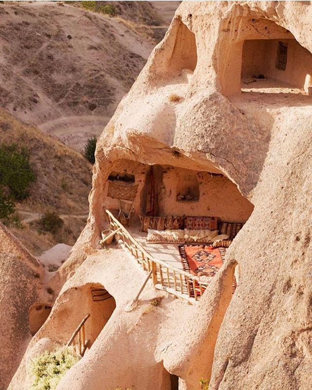 Dream cave home 💫 imagine the views @condenasttraveller #goosethelabel
